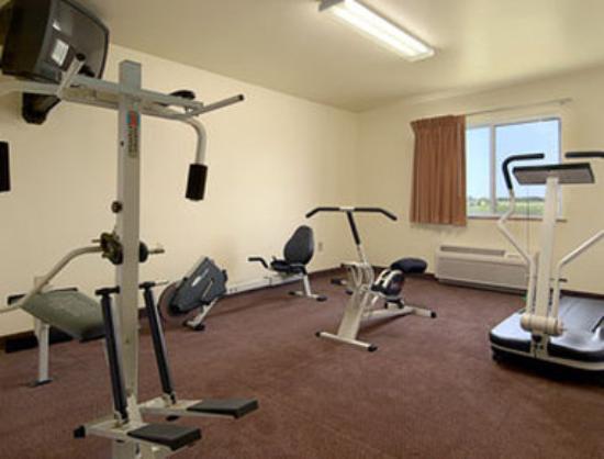 Super 8 Iola KS: Fitness Center