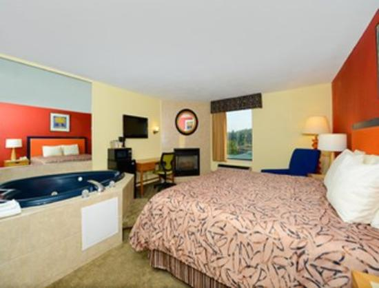 Super 8 Pigeon Forge Near The Convention Center: Guest Room