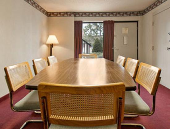Ramada Batesville: Board Room