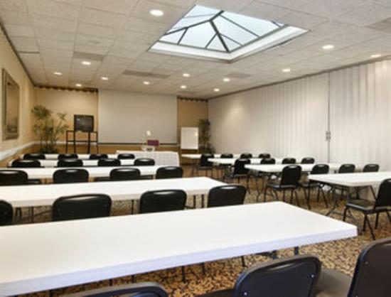 Ramada Wilmington: Kennedy Room