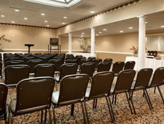 Ramada Wilmington: Washington Room
