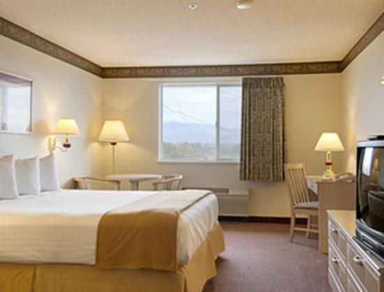 Ramada Limited Redding : Standard King Bed Room