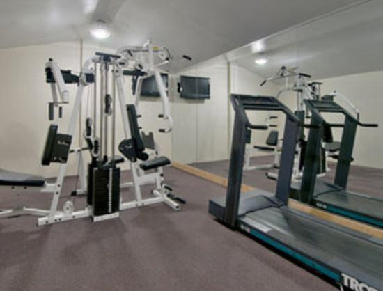 Days Inn Camp Springs Andrews AFB: Fitness Center