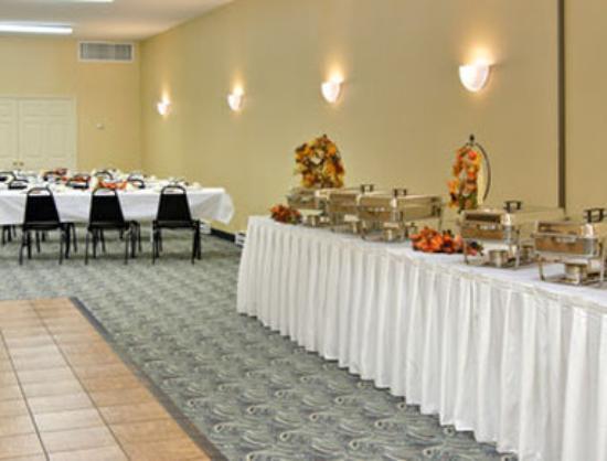 Ramada Strasburg: Banquet Room