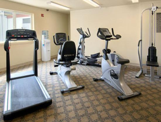 Quinault Sweet Grass Hotel : Workout Room