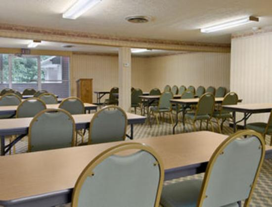 Ramada Cleveland Airport West: Meeting Room