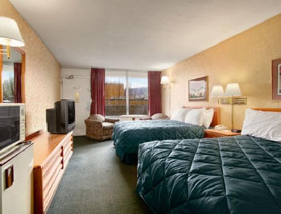 Ramada Roanoke : Standard Two Double Bed Room