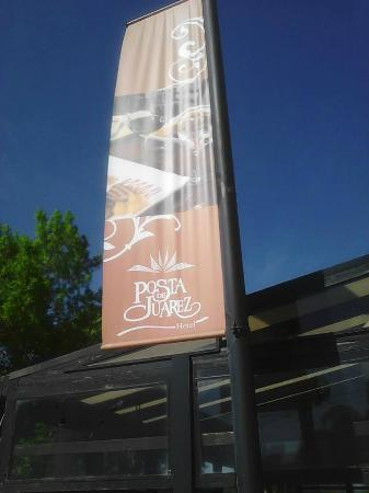 Posta de Juarez: Cartel exterior