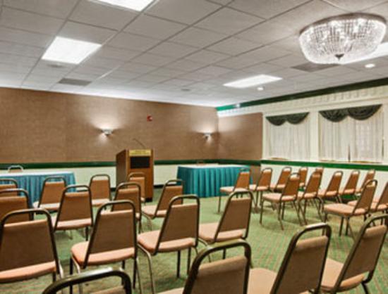Ramada Roanoke : Banquet Room