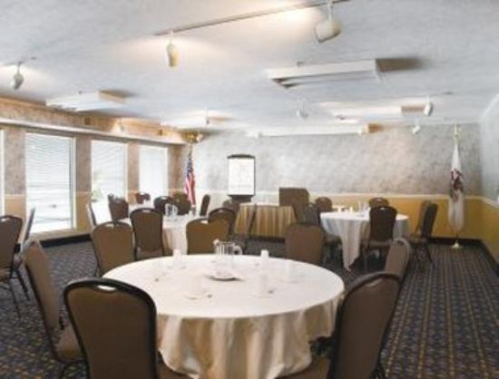 Ramada Springfield North: Meeting Room