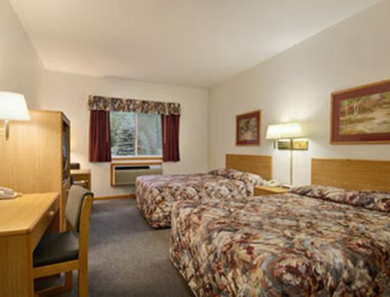 Ramada Richland Center: Standard Two Queen Bed Room