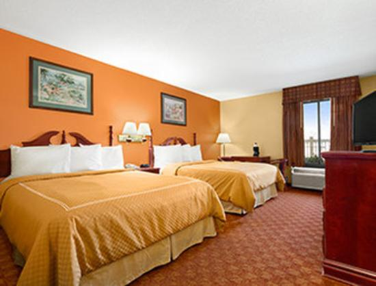 Ramada Limited Columbia: Standard Two Queen Room