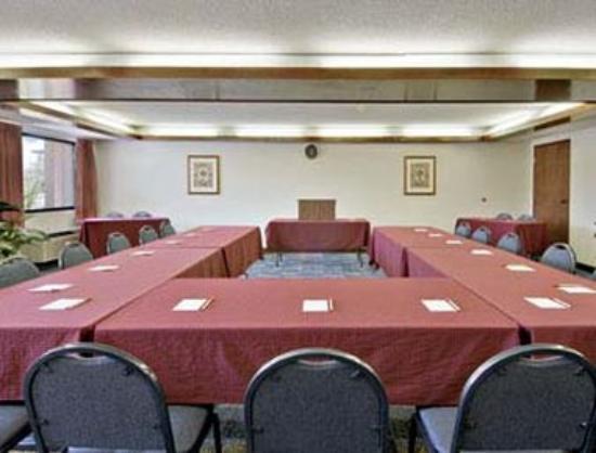 Knights Inn Adairsville : Meeting Room