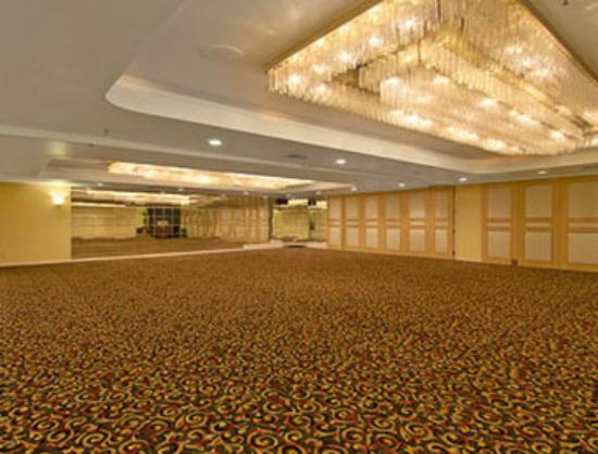 Ramada Plaza Garden Grove/Anaheim South: Meeting Room