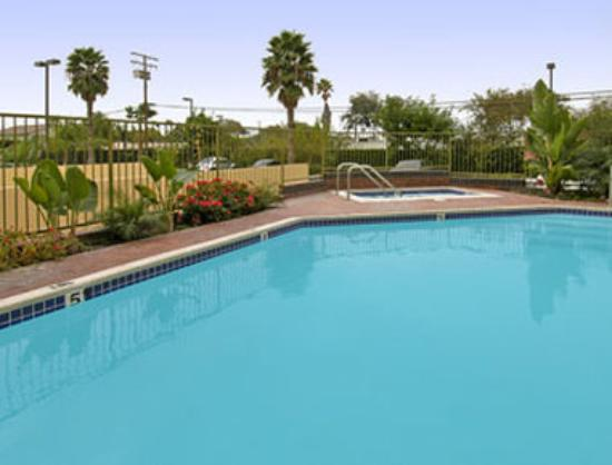 Ramada plaza garden grove anaheim south ca review for Garden grove pool