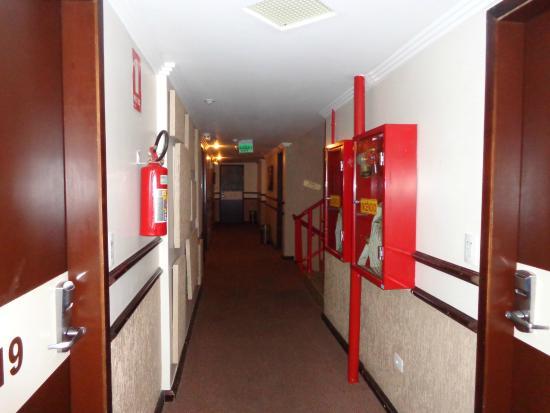 San Rafael Hotel: Corredores