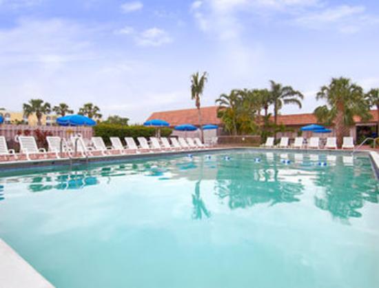 Ramada Plaza Fort Lauderdale: Pool