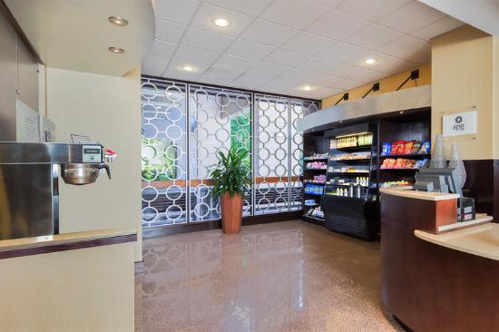 Sheraton Reston Hotel: Cravings