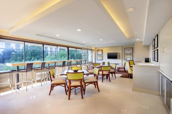 Sheraton Reston Hotel: Sheraton Reston Club Lounge