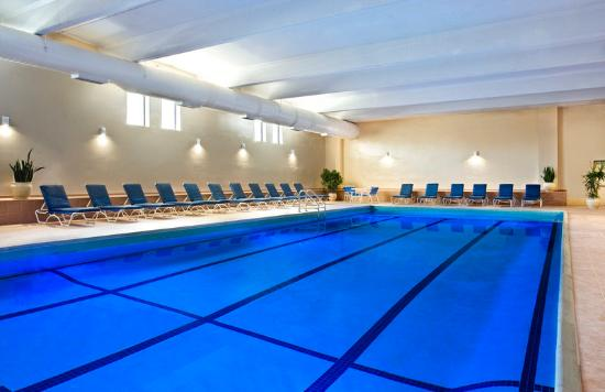Sheraton Framingham Hotel & Conference Center: Indoor Pool