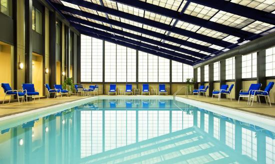 Sheraton Clayton Plaza Hotel St. Louis: Heated Indoor Swimming Pool