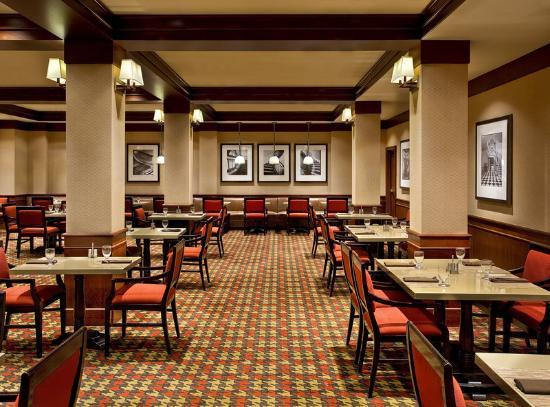 Sheraton Clayton Plaza Hotel St. Louis : Alexanders Restaurant