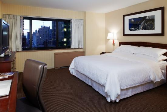 The Manhattan at Times Square Hotel: Suite Bedroom