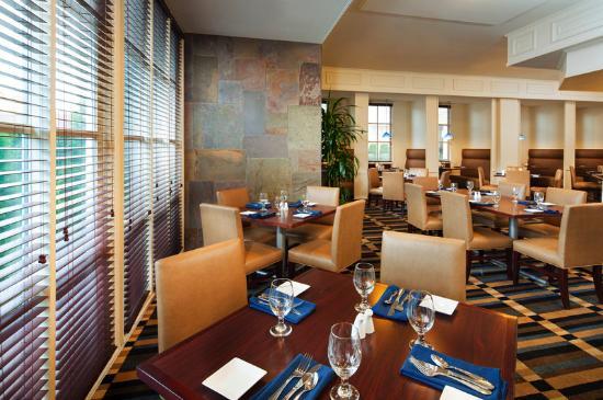 Sheraton Bellevue: Bellevue Grille Restaurant