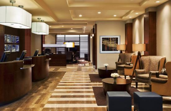 Sheraton Lincoln Harbor Hotel: Lobby