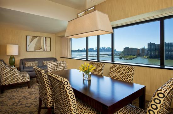 Sheraton Lincoln Harbor Hotel: Executive Suite