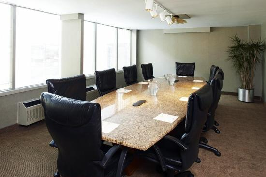 Four Points by Sheraton Charlotte: Boardroom