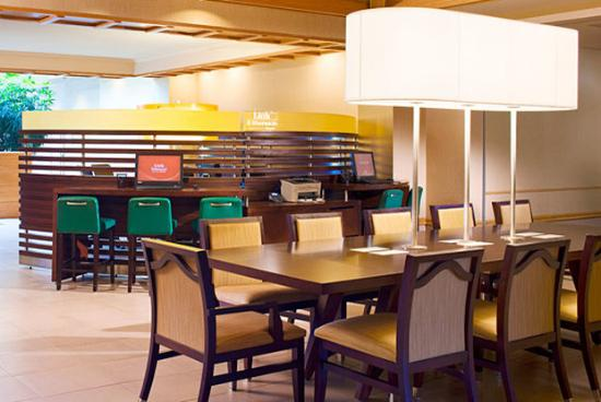 Sheraton Hartford Hotel at Bradley Airport: Link @ Sheraton