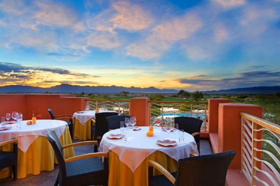 Sheraton Grand at Wild Horse Pass: Kai Patio