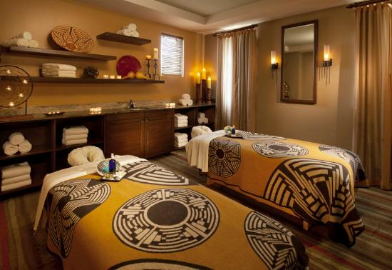 Sheraton Grand at Wild Horse Pass: Aji Spa Couples Massage Room