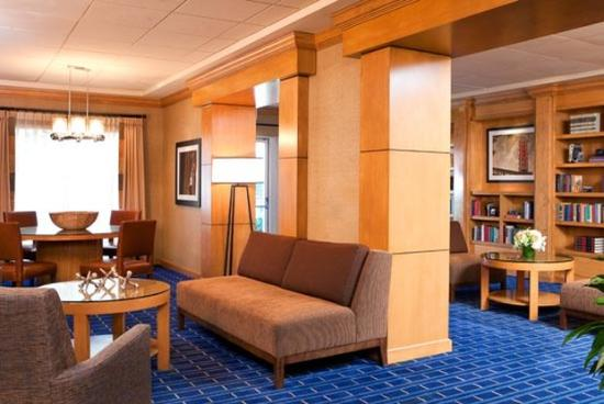 Four Points by Sheraton Los Angeles Westside: Library Area