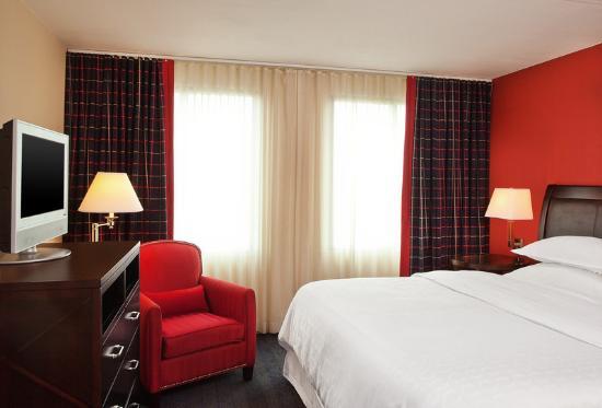شيراتون سويتس فيلادلفيا إيربورت: Suites Guest Room