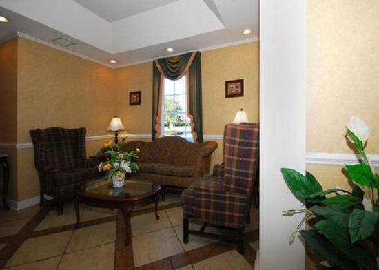 Quality Inn Goldsboro: lobby