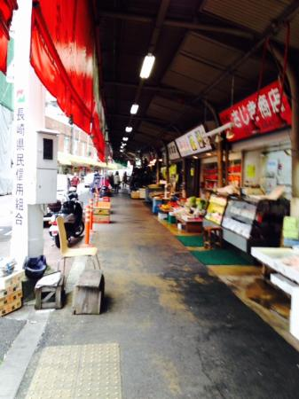 Sasebo Washington Hotel : Sidewalk markets