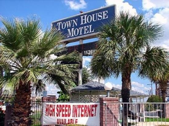 Photo of Town House Motel - Airport San Antonio