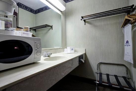 Americas Best Value inn: Bathroom Amenities