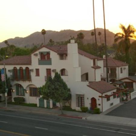 Santa Cruz Inn: Exterior View