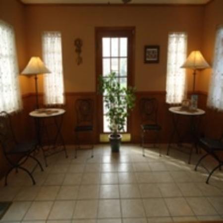 Budget Host Deluxe Inn Fredericksburg: Interior
