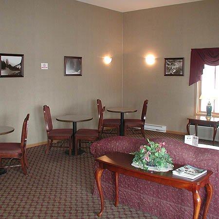 Jasper Ridge Inn: Lobby