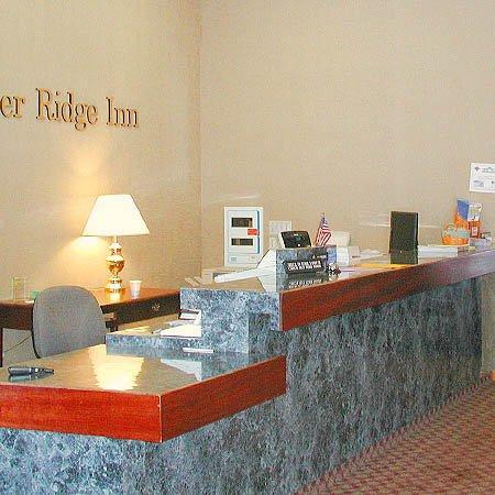 Jasper Ridge Inn: Front Desk