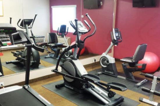 Ramada Rockaway : Fitness Center