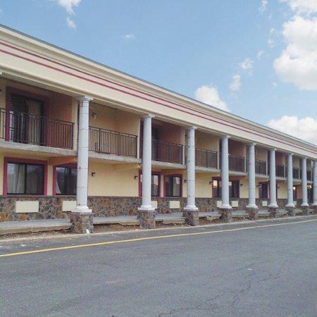 Ramada Rockaway : Mountain Inn Hotel Rockway NJExt