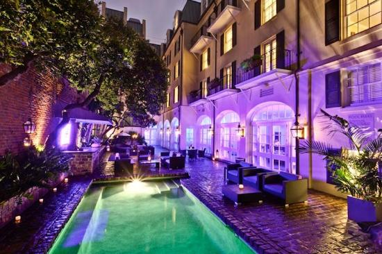Hotel Le Marais: Courtyard and saltwater pool