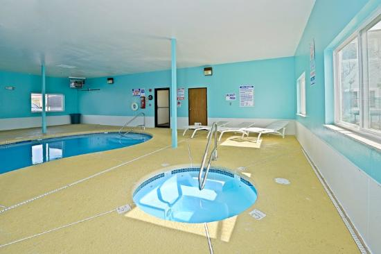 Americas Best Value Inn & Suites Cheyenne: Swimming Area
