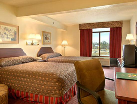 Wingate by Wyndham Biloxi / D'Iberville: Standard Two Full Bed Room