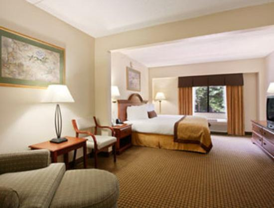 Wingate By Wyndham Charlotte Airport I-85 / I-485 : King Room